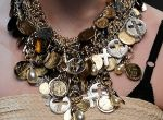 Wielkie naszyjniki - moda 2010