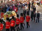 Księżna Diana żegnana przez tłumy