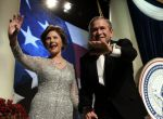 George Bush gospodarzem wystawy Oscar de la Renta