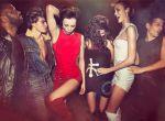 zmysłowe modelki na imprezie w paryskim klubie, zdjęcie 8