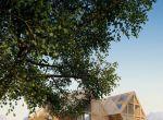 trendy w architekturze: asymetryczny dom z drewna, zdjęcie 7