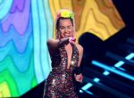 Miley Cyrus na gali MTV, zdjęcie 9