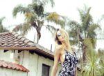 Trendy: Zmysłowa Elle Brittain w ubraniach Flynn Skye, zdjęcie 11