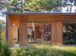 Nowoczesny rustykalny dom z drewna w lesie, fotografia 5