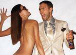Jak widzimy w obecnych kampaniach reklamowych pod metką Tom Ford, modelki prezentują swoje wdzięki na wpół nagie, a modele nasmarowani samoopalaczem i oliwą prężą mięśnie, reklamując perfumy