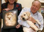 Małżeństwo i ich ukochany sklonowany pies