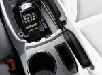 Mercedes - Benz GLK - kokpit z zainstalowaną stacją dokującą dla iPhone