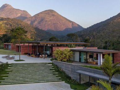 Trendy architektura: dom w górach