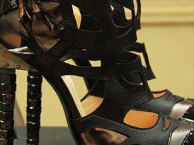 Niezwykłe buty na lato 2010