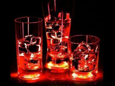 Najnowszy trend- świecące szklanki od dotknięcia ręki