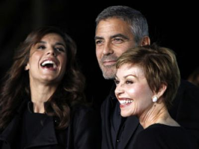 Clooney ′′W chmurach′′