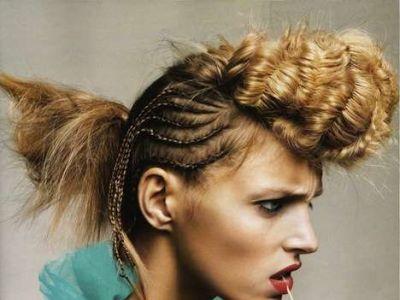 Anja Rubik promuje trendy fryzjerskie 2010