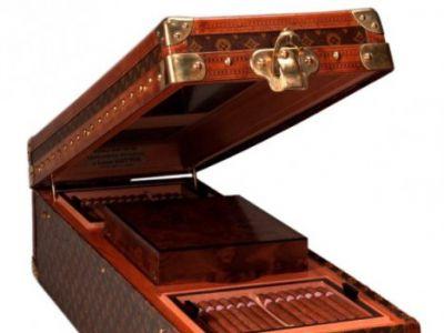 Wielka cygaretka od Louis Vuitton