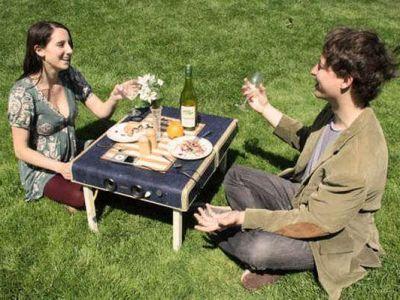 Suitcase Picnic Table ułatwi każdy piknik