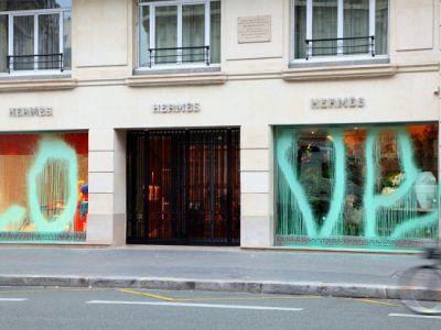 Hermès padł ofiarą wandalizmu !