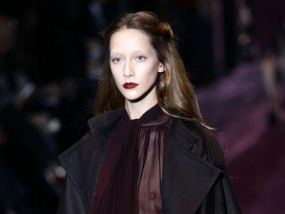 Jesienna kobieta zaprezentowana przez Gucci