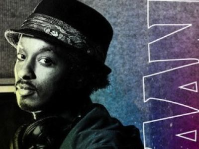"""Nowy teledysk K'naan – """"Is Anybody Out There"""""""