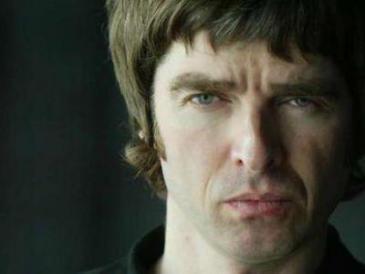 Noel Gallagher w trakcie przygotowywania ciekawej produkcji.