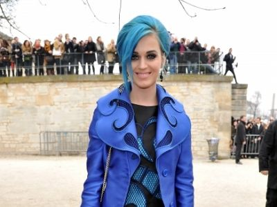Katy Perry przesadza z niebieskim?