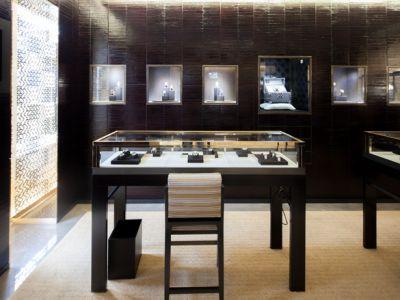 LOUIS VUITTON – butik z biżuterią i zegarkami
