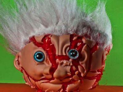 Wybuchowe zabawy lalkami