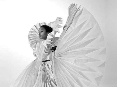 Papierowa suknia