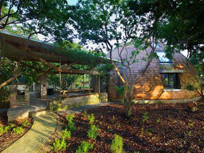 Trendy w architekturze: dom z recyklingu