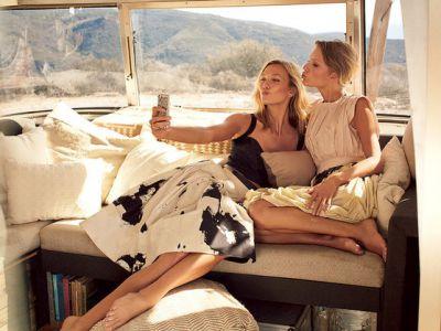 Karlie Kloss i Taylor Swift na okładce marcowego Vogue
