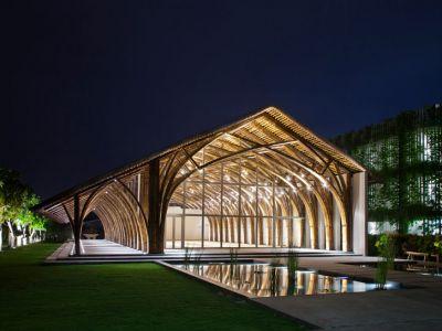 Bambusowa sala konferencyjna
