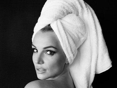 Britney Spears w ręczniku