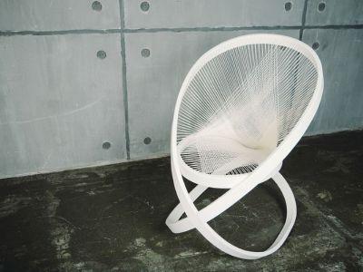 Trendy design: skręcony fotel