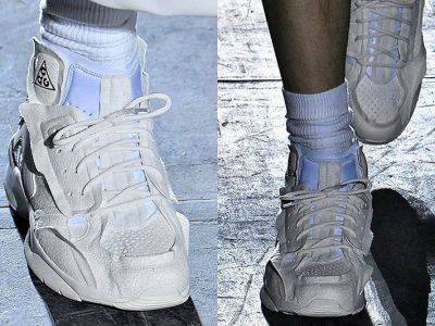 Moda 2018: białe zamszowe buty