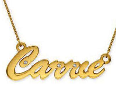 Złota biżuteria według Carrie Bradhaw.