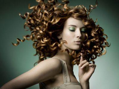 Pielęgnacja włosów – co zrobić gdy wypadają
