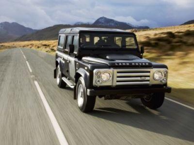 Land Rover Defender- staruszek w młodym ciele