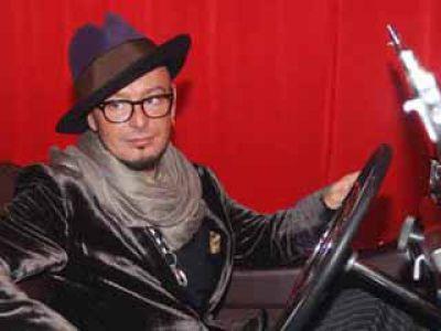 Tomasz Jacyków pisze poradnik o modzie
