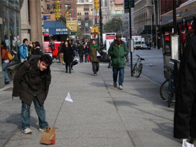 Tweenbot-  robot w Nowym Jorku