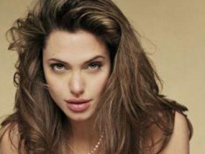 Angelina Jolie- fanka tatuaży