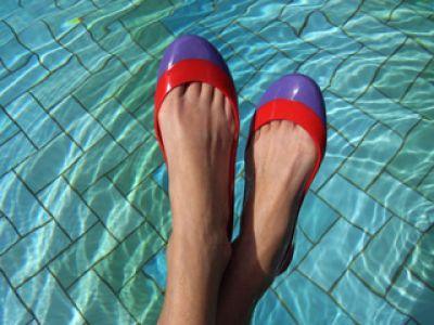 Plastikowe baleriny, Kartell, Tory Burch kontra Prima Moda