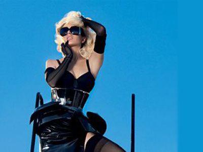 Koszmarna Lindsay Lohan na okładce Vogue'a