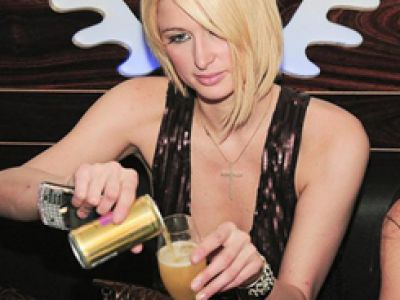 Paris Hilton promuje swojego szampana w Berlinie!
