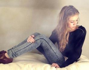 Dekatyzowane jeansy