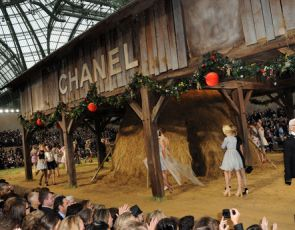 Chanel w stodole!