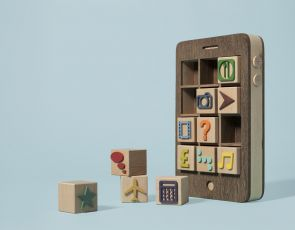 Drewniany iPhone