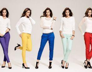 Kolorowe spodnie – trendy 2012