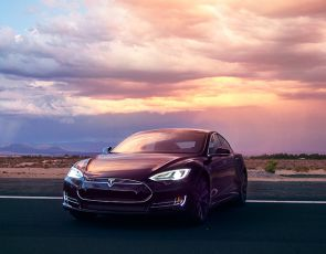 Rewolucyjna Tesla