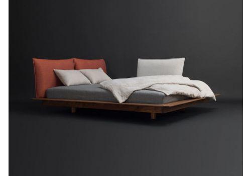 Trendy design: pływające łóżko